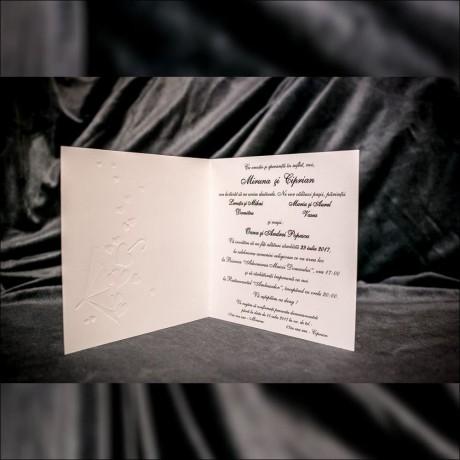 Invitatie de nunta Regina Miri îmbrãtisati cu Inimioare