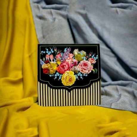 Invitatie de nunta Clemencia Floral cu Dungi Albe cu Galben - Florale