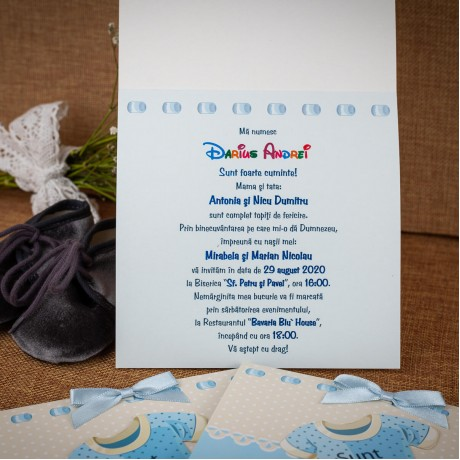 Invitatie de botez Denzel Costumas de Bãietel cu Funditã - Invitatii De Botez
